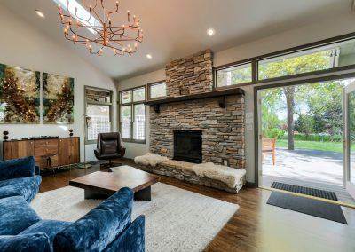 700 Westshore Ct. Living Room