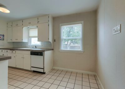 g. 1620 Montview Rd. Kitchen 4