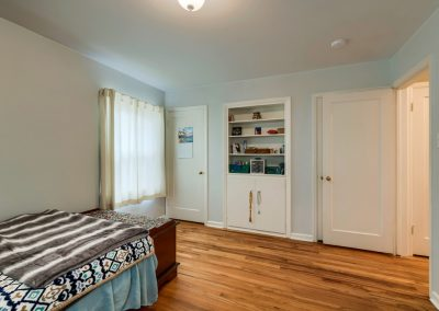 k. 1620 Montview Rd. Bedroom 3b